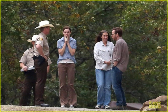 "*EXCLUSIVE* Julia Roberts and Ewan McGregor get emotional on the set of ""August: Osage County"""